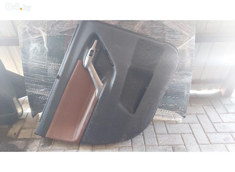 Обшивка двери задней левой (дверная карта) к Toyota Verso undefined г.