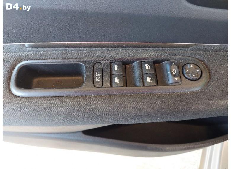 Блок управления стеклоподъемниками к Peugeot 5008 undefined г.