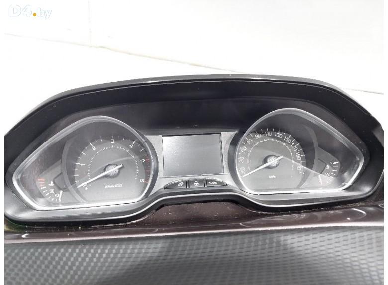 Щиток приборов (приборная панель) к Peugeot 208 undefined г.