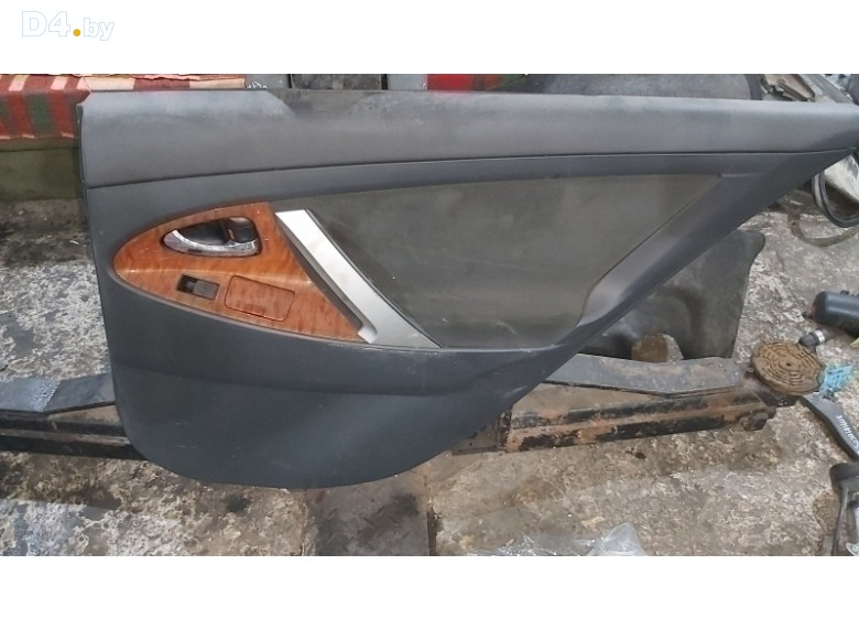 Обшивка двери задней правой (дверная карта) к Toyota Camry 2007 г.