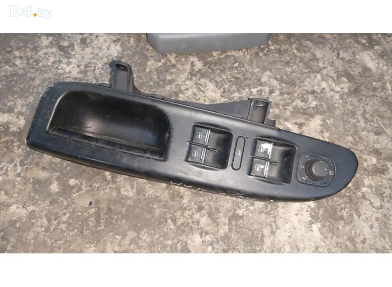 Блок управления стеклоподъемниками к Volkswagen Passat undefined г.